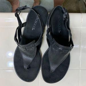 AEROSOLES Coastline Black Leather